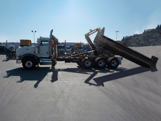 Peterbilt 367 Hooklift Truck